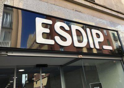 BANDEJA DE PANEL COMPOSITE CON LETRAS CORPOREAS DE PVC 19mm LACADAS ESDIP