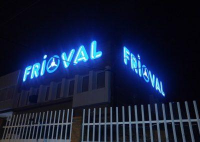 Visión de noche letras corpóreas iluminadas Frioval valdemoro