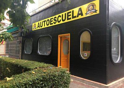 PANEL COMPOSITE CON METOPAS SEPARADORAS Y ROTULADO CON VINILO IMPRESO
