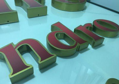Letras corpóreas de pvc y aluminio lacadas
