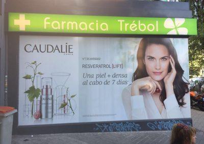 ROTULACION ESCAPARATES FARMACIAS CAUDALIE