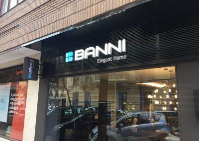 Resultado final implantación imagen en local banni, luciendo