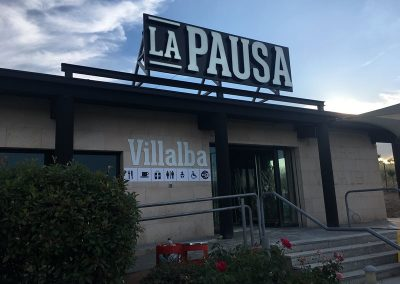 Resultado final instalacion rotulo LA PAUSA